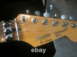 RARE Korea Fender electric Guitar Strat Floyd Rose Locking Nut HOT PINK withcase