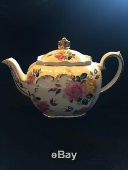 RARE Vintage SADLER TEAPOT #2897 ENGLAND Pink and Yellow Roses